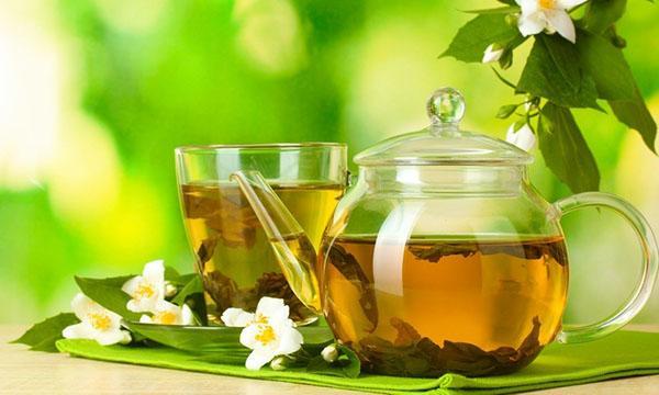 Uống trà xanh cũng là một cách giảm cân hiệu quả từ thiên nhiên