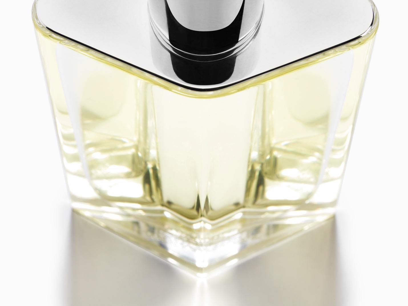 """Mùi hương mới từ Hermès: Sau Terre d'Hermès, đây sẽ là """"tượng đài"""" mới của các chàng trai cá tính - Ảnh 2."""